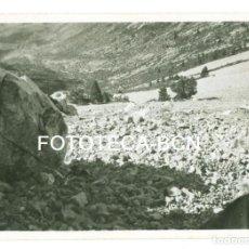 Fotografía antigua: FOTO ORIGINAL TARTERA DE GOSOL PEDRAFORCA AÑO 1945 - 8X5,5 CM. Lote 92877545