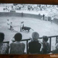 Fotografía antigua: PLAZA TOROS DE CULLERA.VALENCIA.CAMPING SANTA MARTA.FOTOGRAFO FINEZAS.ANTIGUA FOTOGRAFÍA.FOTO.1963. Lote 93587190