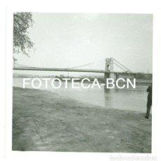 Fotografía antigua: FOTO ORIGINAL AMPOSTA PUENTE SOBRE EL RIO EBRO AÑOS 60. Lote 94749795