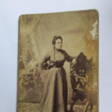 Fotografía antigua: MUJER FOTO CARTON DURO. WOMAN PHOTO CARTON HARD. FEMME ISOREL PHOTO.. Lote 95716067