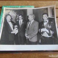 Fotografía antigua: FOTO FOTOGRAFIA CARNAVAL DE CADIZ CARNAVALES PASACALLES DESFILE TEATRO PREMIO . Lote 95902295