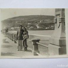 Fotografía antigua: PIRIAPOLIS URUGUAY, PAREJA COUPLE. Lote 96120923