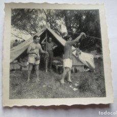 Fotografía antigua: CAZADORES CARPA PRESA. CHEVEUX DE CARP ANIMAUX. ANIMAL CARP HUNTERS.. Lote 96727263