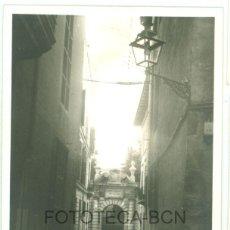 Fotografía antigua: FOTO ORIGINAL PALMA DE MALLORCA JARDINES DEL OBISPADO AÑOS 60 - 9,5X6,5 CM. Lote 97267923