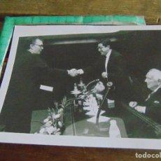 Fotografía antigua: FOTO FOTOGRAFIA CADIZ PERSONALIDADES RAFAEL ALBERTI. Lote 97753242