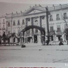Fotografía antigua: ANTIGUA FOTOGRAFIA.CASA CONSISTORIAL.AYUNTAMIENTO.MURCIA.1933. Lote 98017019