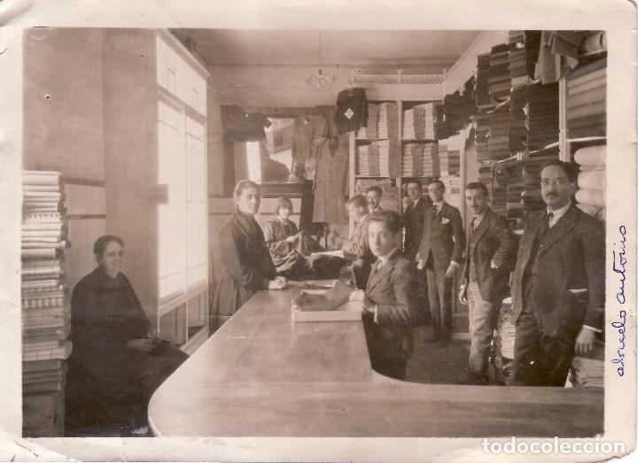 SEVILILA - FOTOGRAFIA DE 1923 - ALMACENES LA PAZ - PUENTE Y PELLON ESQUINA ENCARNACION 12,5X17,5 CM (Fotografía Antigua - Fotomecánica)