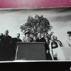 Fotografía antigua: INAUGURACIÓN DE UN PANTANO CON FRANCISCO FRANCO.. Lote 98507736