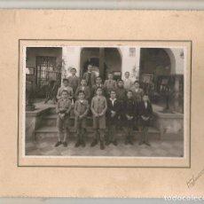Fotografía antigua: FOTO: GRUPO ESCOLAR. SEVILLA. FOTÓGRAFO: FOTO SERRANO. (C/A23). Lote 99082411
