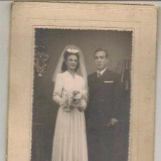 Fotografía antigua: FOTO: NOVIOS. SEVILLA 1947. FOTÓGRAFO: STUDIO ALBENDIZ. SEVILLA. (C/A23). Lote 99082823