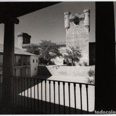 Fotografía antigua: PARADOR VIRREY DE TOLEDO, OROPESA - 1968 - 20 X 25 CM - COPIA VINTAGE. Lote 100175003