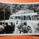 Fotografía antigua: ANTIGUA FOTOGRAFÍA. AUTOBUS. COMPAÑÍA HISPANO EN SEGURES. FOTO AÑOS 50/60.. Lote 102515535