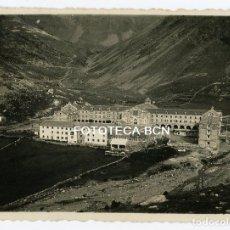 Fotografía antigua: FOTO ORIGINAL SANTUARIO VALL DE NURIA EN CONSTRUCCION EDIFICIOS DESAPARECIDOS AÑOS 30. Lote 103266347