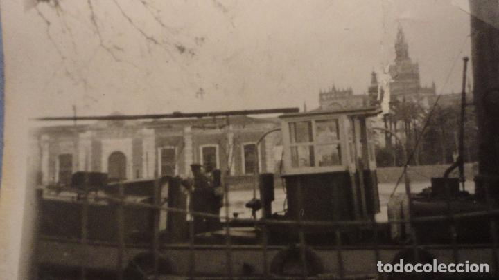 Fotografía antigua: ANTIGUA FOTOGRAFIA.BARCO FONDEADO EN EL RIO GUADALQUIVIR.SEVILLA AÑOS 30? - Foto 3 - 107236827