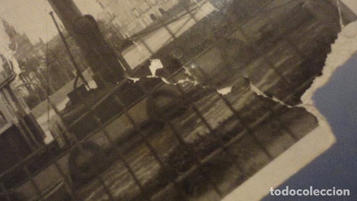 Fotografía antigua: ANTIGUA FOTOGRAFIA.BARCO FONDEADO EN EL RIO GUADALQUIVIR.SEVILLA AÑOS 30? - Foto 6 - 107236827