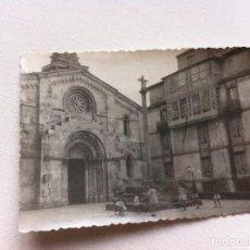 Fotografía antigua: FOTOGRAFÍA (COLEGIATA DE SANTA MARÍA) CORUÑA. 10,5 X 7,5CM. AÑOS 60.. Lote 108393059
