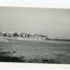 Fotografía antigua - FOTO ORIGINAL SALOU PLAYA EDIFICIDIOS TURISTICOS TURISMO AÑO 1974 - 108792151