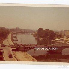 Fotografía antigua: FOTO ORIGINAL SEVILLA PUENTE DE SAN TELMO AÑOS 60/70. Lote 108798855