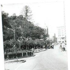 Fotografía antigua: FOTO ORIGINAL MALAGA CALLE AÑOS 60. Lote 109313019