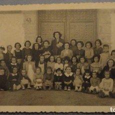 Fotografía antigua: ANTIGUA FOTOGRAFIA.COLEGIO DE NIÑAS? FOTOE.UTRILLA.VALENCIA.AÑOS 50?. Lote 109313803