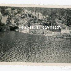 Fotografía antigua: FOTO ORIGINAL EMBALSE DE VALLVIDRERA BARCELONA AÑOS 40. Lote 109337911