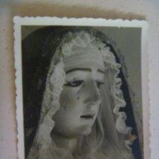 Fotografía antigua: FOTO DE VIRGEN : NUESTRA SEÑORA DE LA SOLEDAD DE ARCOS DE LA FRONTERA. 1957.. Lote 221700802