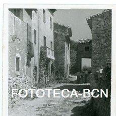 Fotografía antigua: FOTO ORIGINAL SIURANA CIURANA CALLE DE LA LOCALIDAD AÑO 1960. Lote 109804479