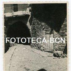 Fotografía antigua: FOTO ORIGINAL BOI CALLE DE LA POBLACION AÑO 1956. Lote 109819659