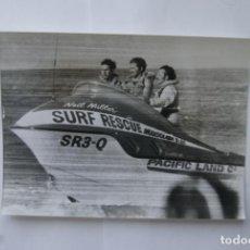 Fotografía antigua: FOTO CARLOS DE INGLATERRA 1974 EN AUSTRALIA PAPARAZZI. Lote 110022323