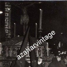 Fotografía antigua: SEMANA SANTA SEVILLA, ANTIGUA FOTOGRAFIA SANTISIMO CRISTO DE BURGOS, 75X105MM. Lote 110879567