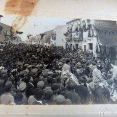 Fotografía antigua: FOTOGRAFIA VALENCIA , FOTO BARBERA MASIP , BLASCO IBAÑEZ EN LAS CALLES DEL CABAÑAL , ORIGINAL. Lote 111440507