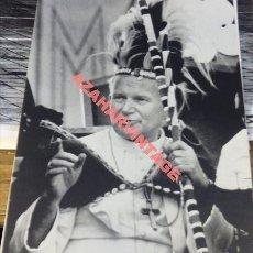 Fotografía antigua: NAIROBI, KENIA, 1980, VISITA DE JUAN PABLO II, 180X240MM. Lote 113046591