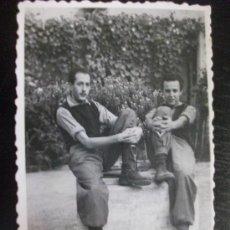 Fotografía antigua: PROTECTORADO : FOTO DE MILITARES . TARGUIST, MARRUECOS, 1946.. Lote 113877075