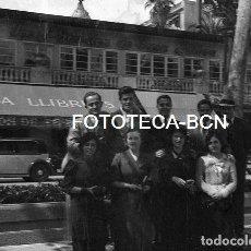 Fotografía antigua: NEGATIVO ACETATO BARCELONA DESAPARECIDA CASA LLIBRE SALON DE TE UBICADO EN LA GRAN VIA AÑOS 30. Lote 113991103