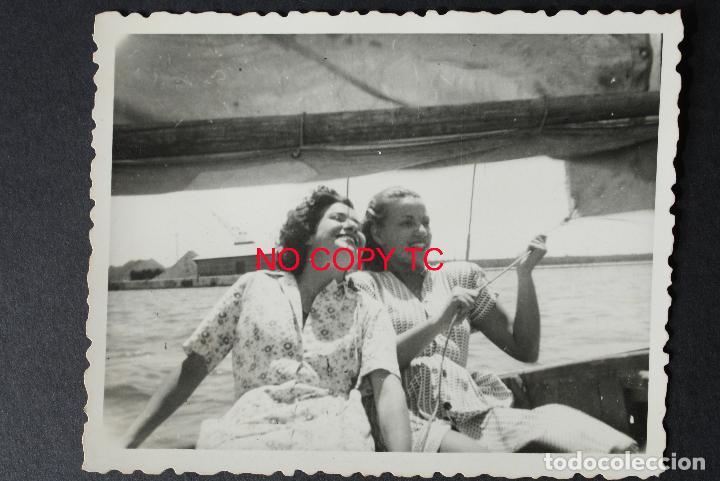 FOTOGRAFÍA TARRAGONA, COSTA OCTUBRE 1948 BARCO VELERO NAVEGAR (Fotografía Antigua - Fotomecánica)