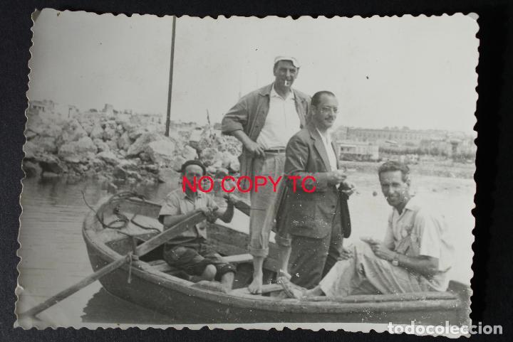 FOTOGRAFÍA TARRAGONA, COSTA 1948 BARCO VELERO NAVEGAR BAÑISTAS (Fotografía Antigua - Fotomecánica)
