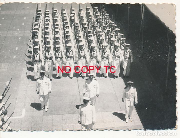 AR FOTOGRAFÍA CARTAGENA MURCIA SOLDADOS MILITARES DESFILE CUARTEL INSTRUCCIÓN ADIESTRAMENTO (Fotografía Antigua - Fotomecánica)