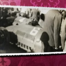 Fotografía antigua: ANTIGUA FOTOGRAFÍA.PEDRALBES.BARCELONA.GRAN PREMIO DE ESPAÑA FORMULA 1.BOXES.AÑO 1954.FOTO.. Lote 114171363