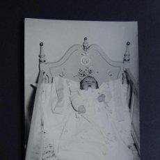 Fotografía antigua: ANTIGUA FOTOGRAFIA DE NIÑO/A FALLECIDO / POST MORTEN /. Lote 114591579