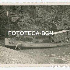 Fotografía antigua: FOTO ORIGINAL MALLORCA CALA SA CALOBRA BARCA AÑOS 40/50. Lote 114918499
