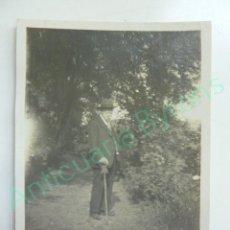 Fotografía antigua: FOTOGRAFÍA ANTIGUA. PINTOR CANARIO. NICOLÁS MASSIEU FALCÓN. GRAN CANARIA (8,5 X 6 CM). Lote 114922603