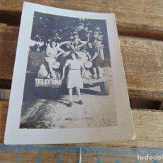 Fotografía antigua: FOTO FOTOGRAFIA ANTIGUO CAMION DE TELEFONO 1941 INFIESTO ASTURIAS. Lote 115612479