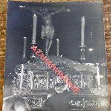 Fotografía antigua: SEMANA SANTA SEVILLA, ANTIGUA FOTOGRAFIA PASO CRISTO DE BURGOS, 75X105MM. Lote 115725359