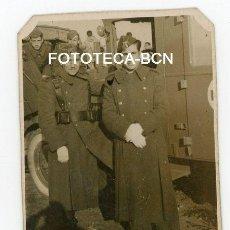 Fotografía antigua: FOTO ORIGINAL CAMION AMBULANCIA CRUZ ROJA MILITARES EJERCITO ESPAÑA AÑOS 40. Lote 116253463