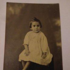 Fotografía antigua: FOTOGRAFIA BONITA NIÑA ARJONA SEVILLA 1939 ,FOTO,AÑOS 30. Lote 116802966