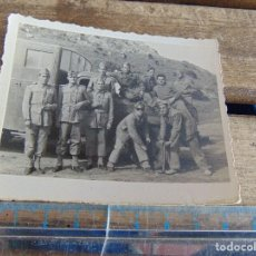 Fotografía antigua: FOTO FOTOGRAFIA MILITAR MILITARES CAMION. Lote 116991075