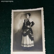 Fotografía antigua: ANTIGUA FOTOGRAFIA. CHICA. FOTOGRAFO A.BENITEZ.TENERIFE. FOTO AÑOS 40.. Lote 117171863
