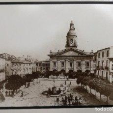 Fotografía antigua: PLAZA DEL RASO,IGLESIA.FOTO DE CALAHORRA-LA RIOJA-34X30 CM.. Lote 117308755
