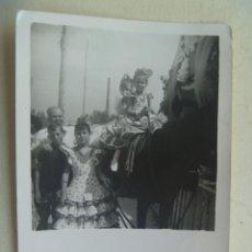Fotografía antigua: MINUTERO DE FOTOGRAFO DE FERIA : NIÑAS VESTIDAS DE FLAMENCA Y CABALLO. Lote 117591939
