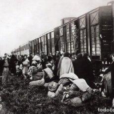 Fotografía antigua: GUERRA CIVIL 1936-1939. REFUGIADOS ESPAÑOLES EN FRANCIA, LE PERTHUS 1939. IMAGEN OBTENIDA DE......... Lote 117667223